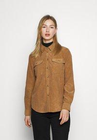 Vero Moda - VMSYLVIA - Button-down blouse - tobacco brown - 0