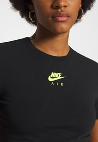 Nike Sportswear - AIR CROP - Camiseta estampada - black - 4