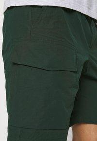 Wood Wood - OLLIE - Shorts - dark green - 5