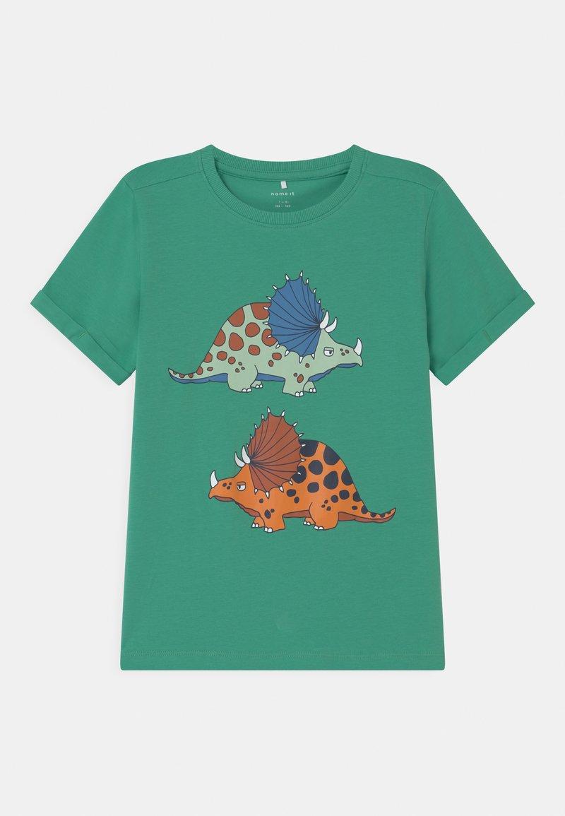 Name it - NKMBUGOS - Print T-shirt - green spruce