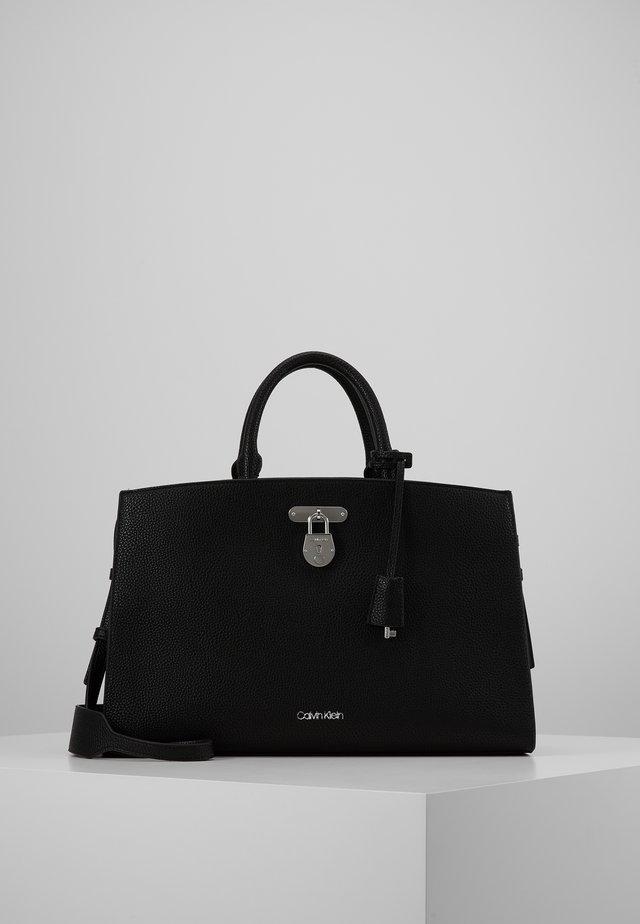 DRESSED BUSINESS TOTE  - Håndveske - black
