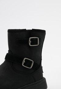 UGG - KINZEY - Boots - black - 4