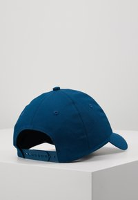 Calvin Klein Jeans - INSTITUTIONAL PATCH - Cap - blue