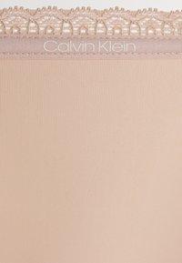 Calvin Klein Underwear - THONG - Thong - honey almond - 5