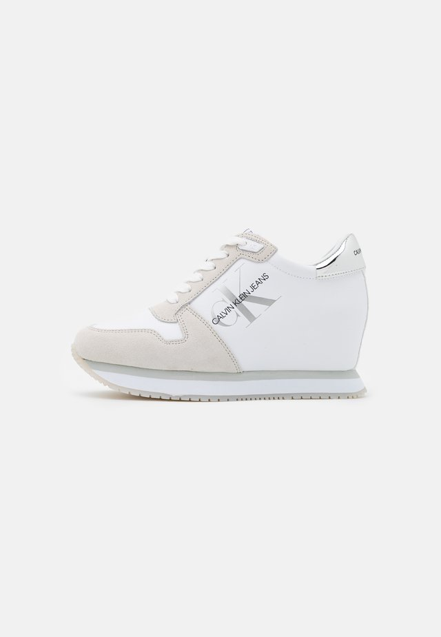 WEDGE LACEUP - Trainers - bright white