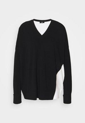 Svetr - black patterned