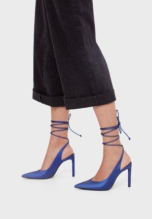 MIT OFFENER FERSE ZUM SCHNÜREN 11952660 - High heels - light blue