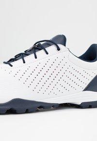 adidas Golf - ADIPURE SC - Golfové boty - footwear white/collegiate navy/true pink - 5
