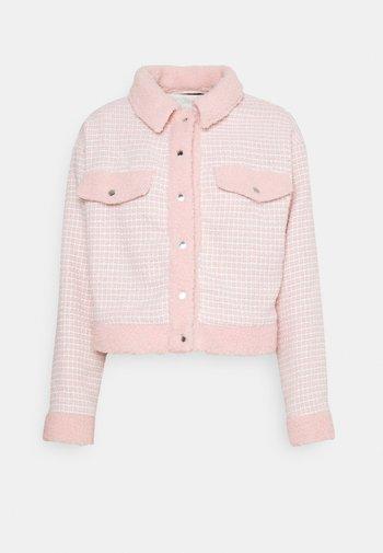 BOUCLE EMBELLISHED BUTTON - Lehká bunda - pink