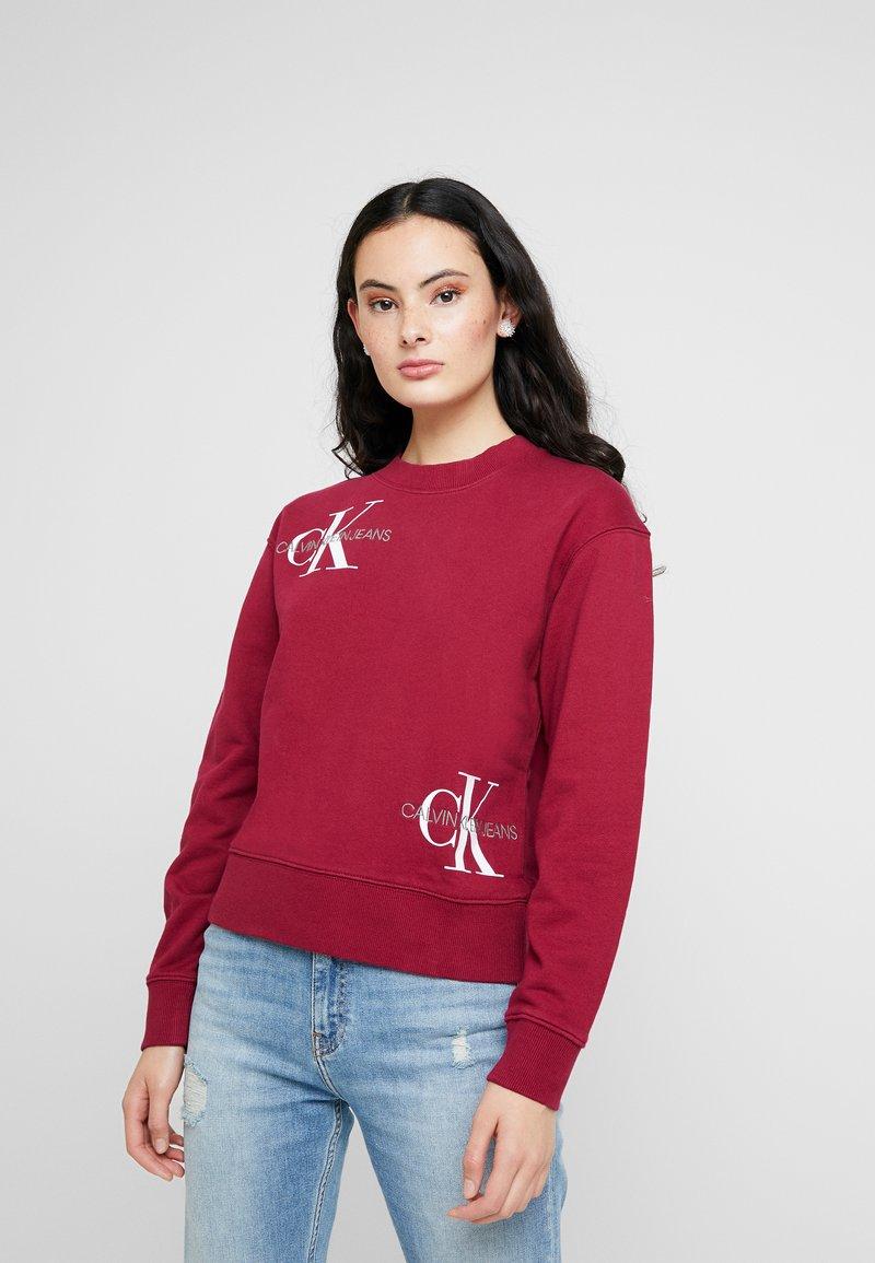 Calvin Klein Jeans - MONOGRAM OVERSIZED - Sweatshirt - beet red