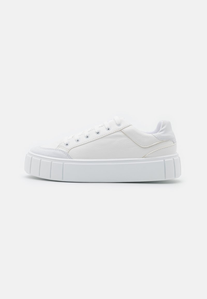 Topshop - CHELSEA LACE UP TRAINER - Trainers - white