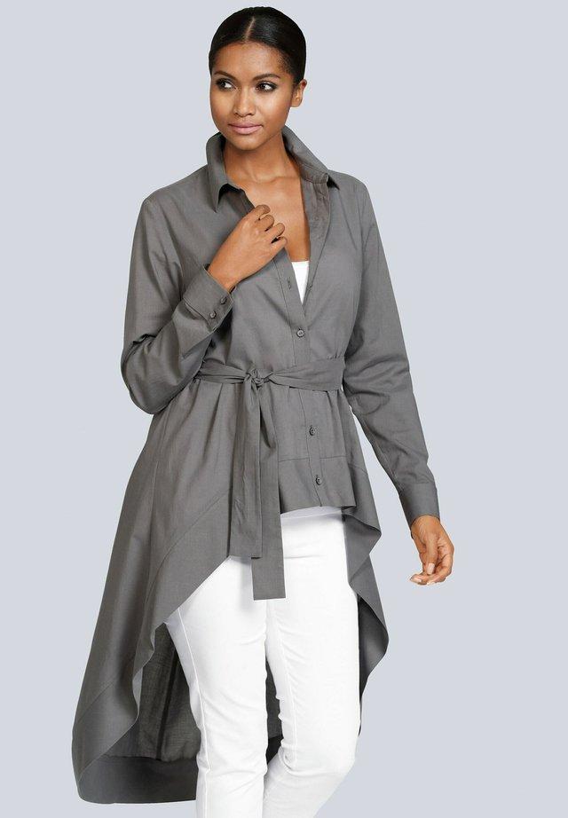 Button-down blouse - grau