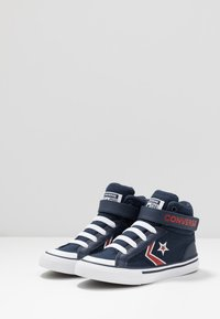 Converse - PRO BLAZE STRAP EMBROIDERED - Zapatillas altas - obsidian/university red/white - 3