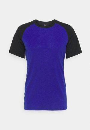 TEMPLE TECH  - Basic T-shirt - ultra blue/black