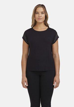 CON BORCHIE - Print T-shirt - nero