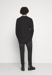 Tommy Jeans - MILES - Slim fit jeans - max black - 2