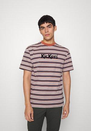 TEE WITH LOGO UNISEX - Print T-shirt - rust/navy cream