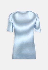 Marc O'Polo - Print T-shirt - blue - 1
