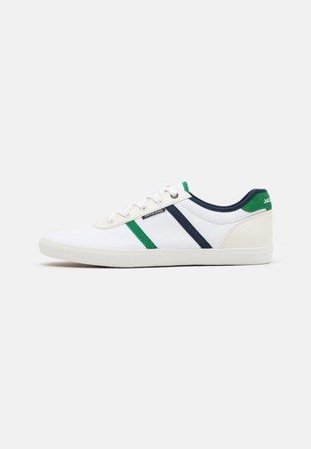 JFWLOGAN  - Tenisky - white/green/navy