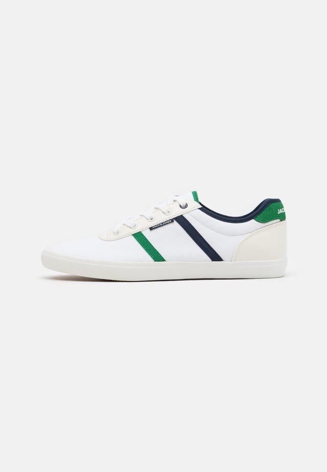 JFWLOGAN  - Trainers - white/green/navy