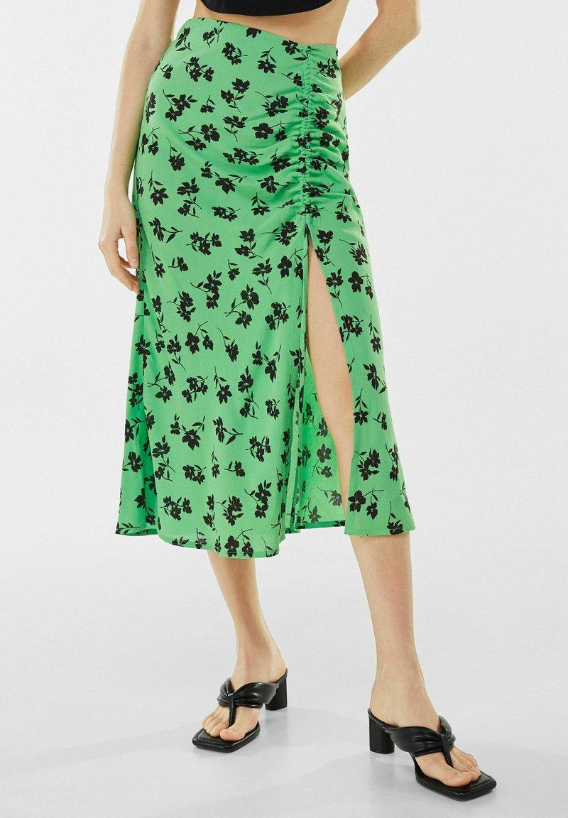 Bershka - Jupe trapèze - green