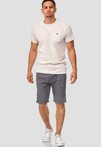 INDICODE JEANS - CASUAL FIT - Shorts - blue denim - 1