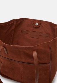 Zign - Handbag - cognac - 2