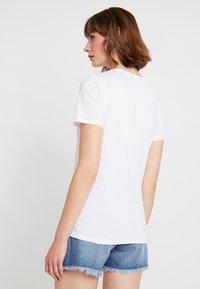 New Look - THANK YOU NEXT TEE - T-shirt imprimé - white - 2