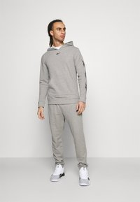 Reebok - VECTOR TRACKSUIT - Trainingspak - grey - 1