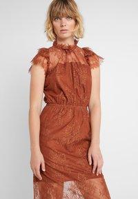 DESIGNERS REMIX - MELISSA DRESS - Cocktail dress / Party dress - mahogany - 5