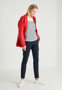 TOM TAILOR DENIM - STRIPE SLUB TEE - Triko s potiskem - off white - 1