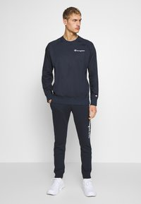 Champion - ELASTIC CREWNECK - Bluza - dark blue - 1