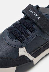 Geox - ALFIER BOY - Zapatillas - navy/dark grey - 5