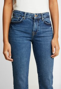Pieces - PCHOLLY STRAIGHT  - Jeans Straight Leg - blue denim - 3