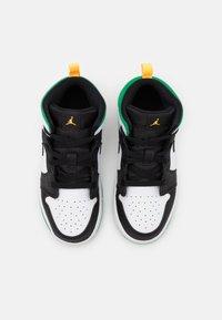 Jordan - 1 MID SE UNISEX - Basketbalové boty - white/laser orange/black/lucky green - 3
