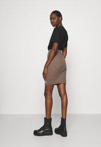 Calvin Klein Jeans - SLUB MINI SKIRT - Pencil skirt - dusty brown - 2