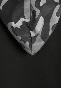 Karl Kani - SIGNATURE AMO HOODIE - Sweat à capuche - black - 6