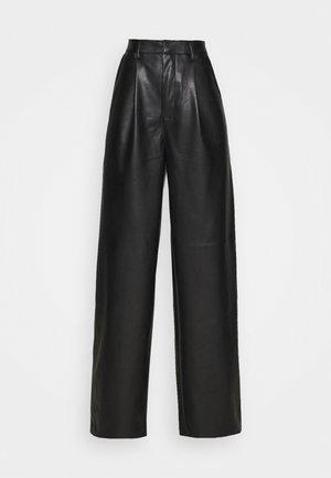 PLEAT DETAIL PANTS - Trousers - black