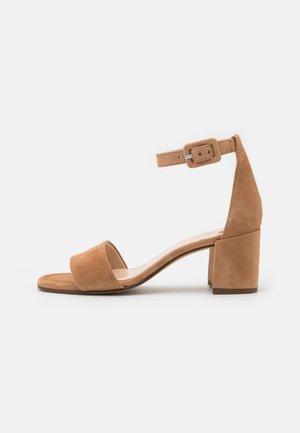 INNOCENT - Sandals - sahara