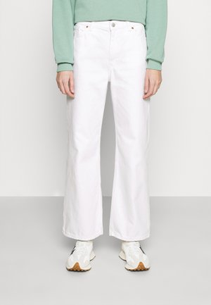 YOKO CROPPED - Flared Jeans - white light