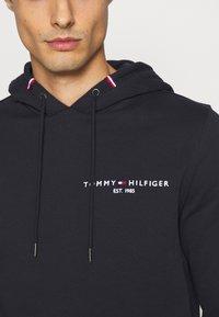 Tommy Hilfiger - SMALL LOGO HOODY - Felpa con cappuccio - blue - 4