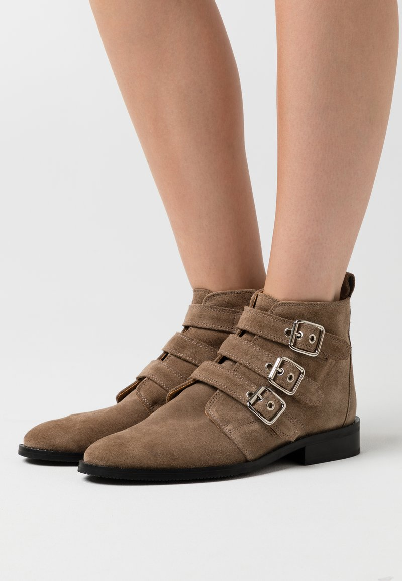 Shoe The Bear - FINNA BUCKLE - Ankle boots - taupe