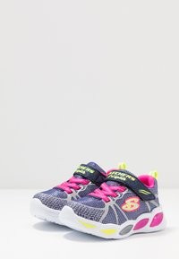 Skechers - SHIMMER BEAMS - Tenisky - navy sparkle/multicolor