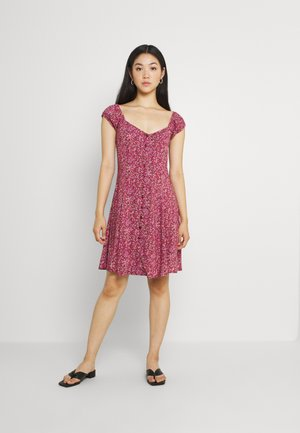 ERIN PARIS FLORAL DRESS - Denní šaty - red