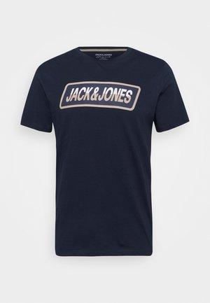 JORSWIRLE BIG TEE CREW NECK - T-shirt con stampa - navy blazer