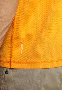 The North Face - MENS VARUNA TEE - Print T-shirt - orange/mottled dark grey - 6