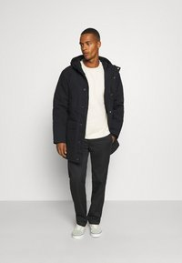 Carhartt WIP - TRENT - Winter coat - black - 1