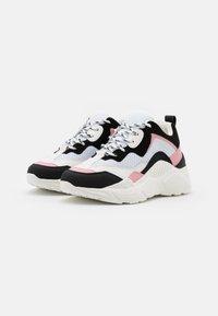Steve Madden - ANTONIA - Sneakers - black/pink - 2