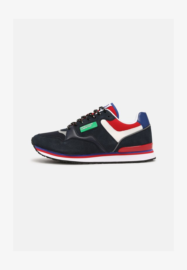 SNUG - Sneakers basse - navy/red