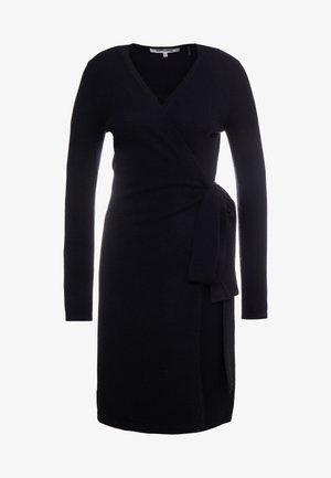 NEW LINDA  - Sukienka dzianinowa - black